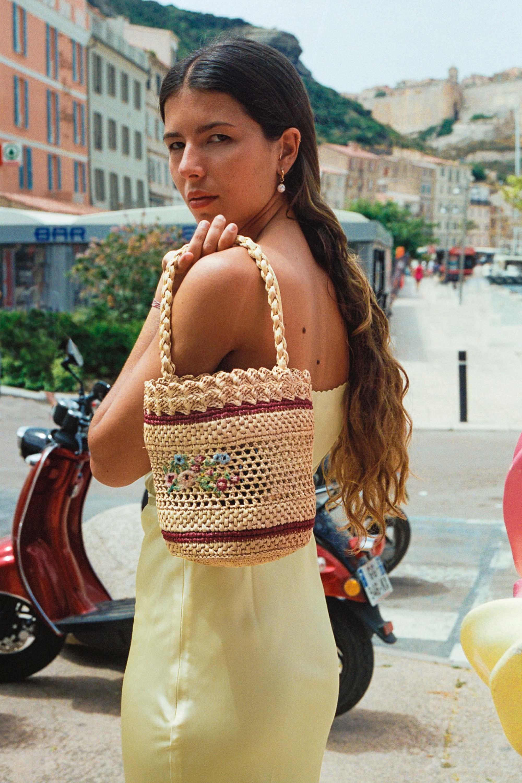 HOWARD basket